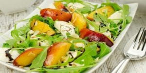 arugula-salad-peaches-mozzarella