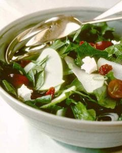 spinach-salad-with-grapes